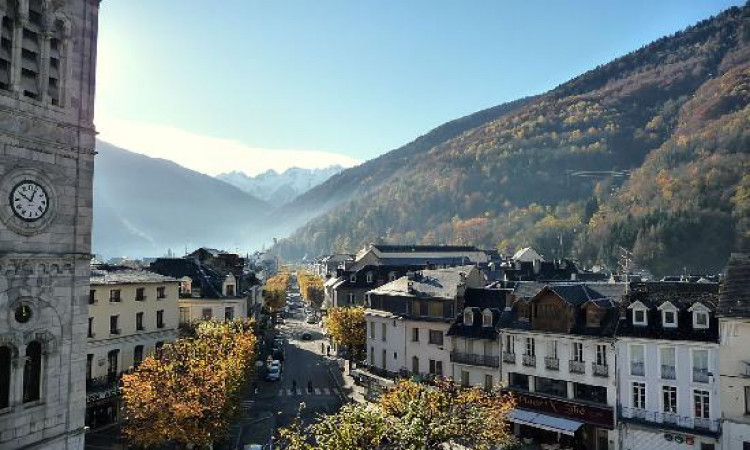 Main image ofThe Pyrenees between sport and relaxation