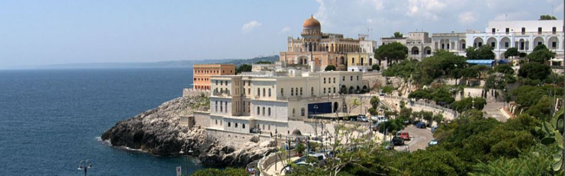 Main image ofItalie Bari (Puglia) région des Pouilles 6 étapes en 7 jours (2 pers) Bari, Lecce, Ostuni, Brindisi, Tarente, Matera, Alberobello, Monopoli