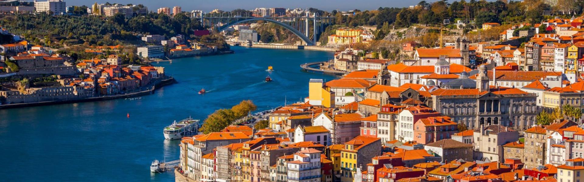 Main image ofEntre Porto et Lisbonne