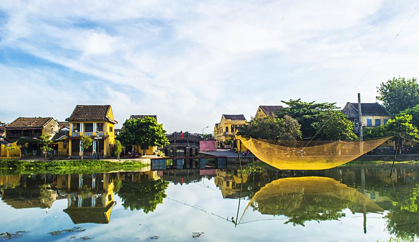 Main image ofDe Hanoi à Saigon: Vietnam incontournable | Voyage authentique