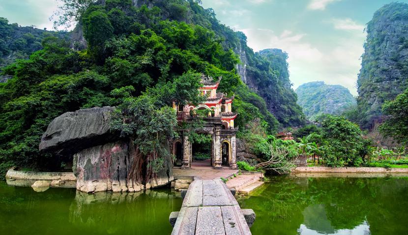 Main image ofDe Saigon à Hanoi: Horizon du Vietnam, voyage classique