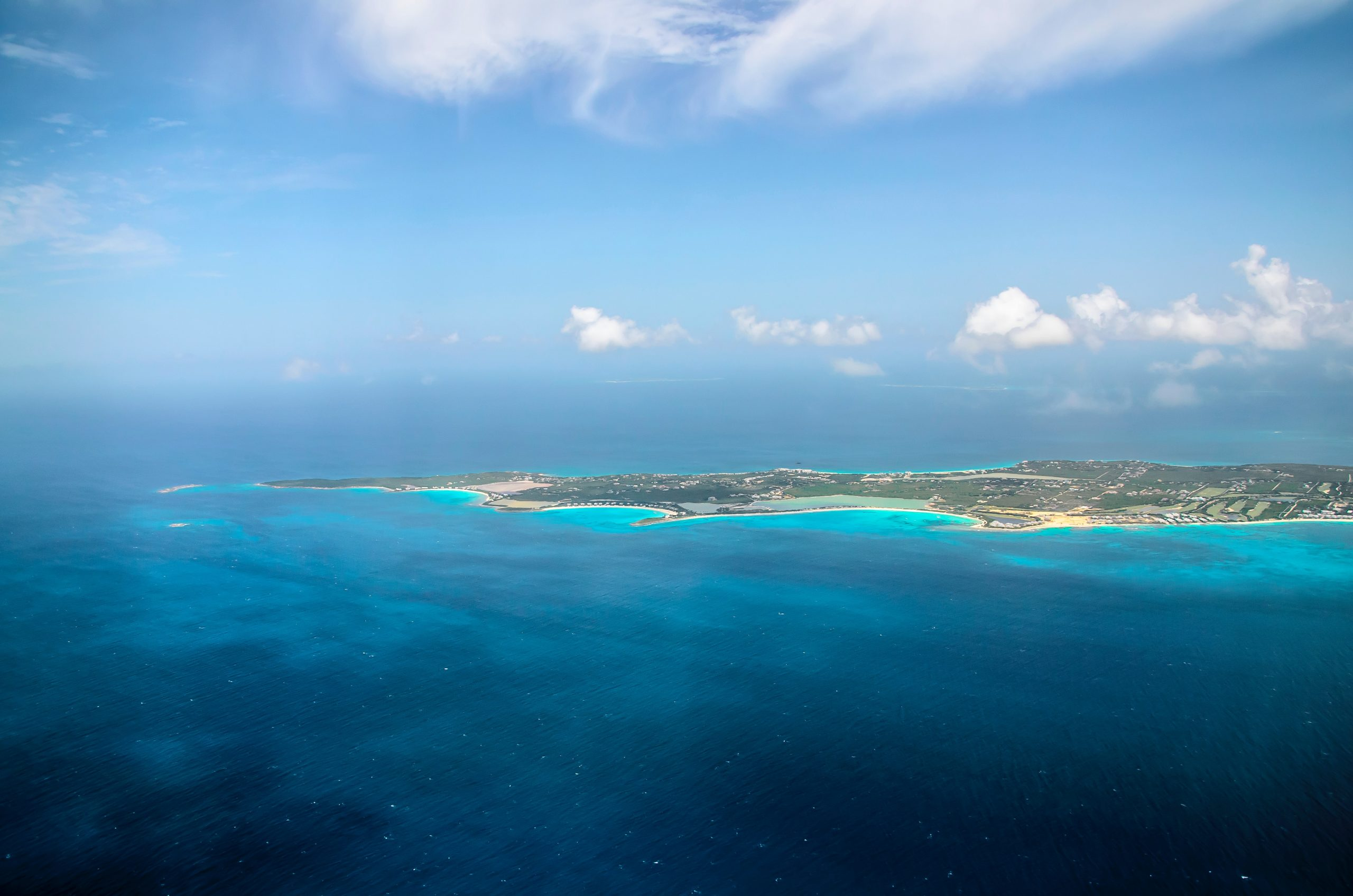 Main image ofSaint-Martin et Saint-Barth, joyaux des Caraïbes